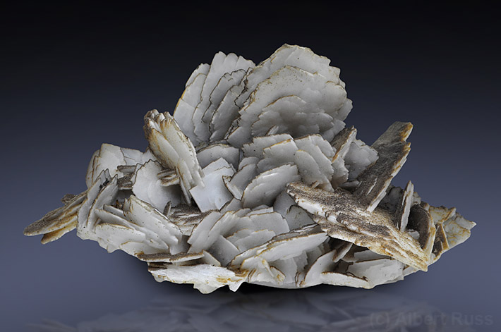 cluster of white tabular baryte crystals