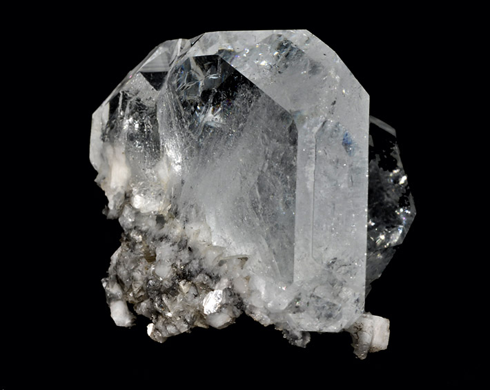Clear goshenite crystals from Pingwu beryl mine, China