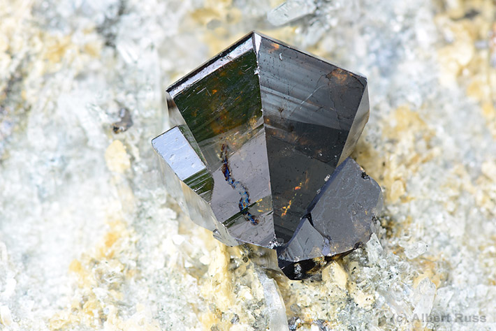 Cassiterite twin crystal from Viloco Mine, Loayza, Bolivia