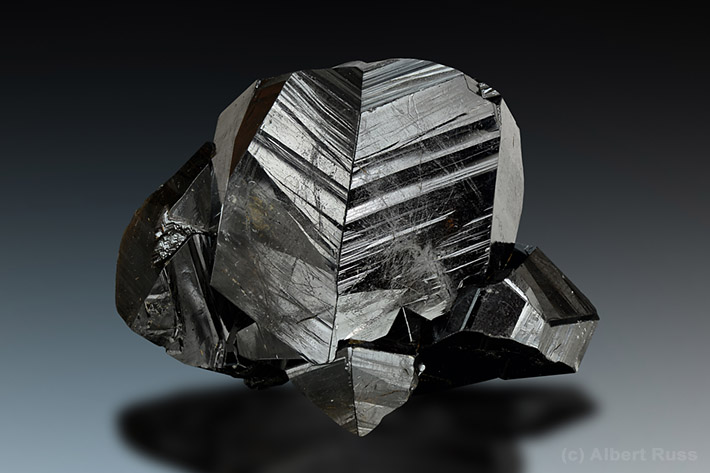 Twinned cassiterite crystals from Viloco Mine, Loayza, Bolivia>