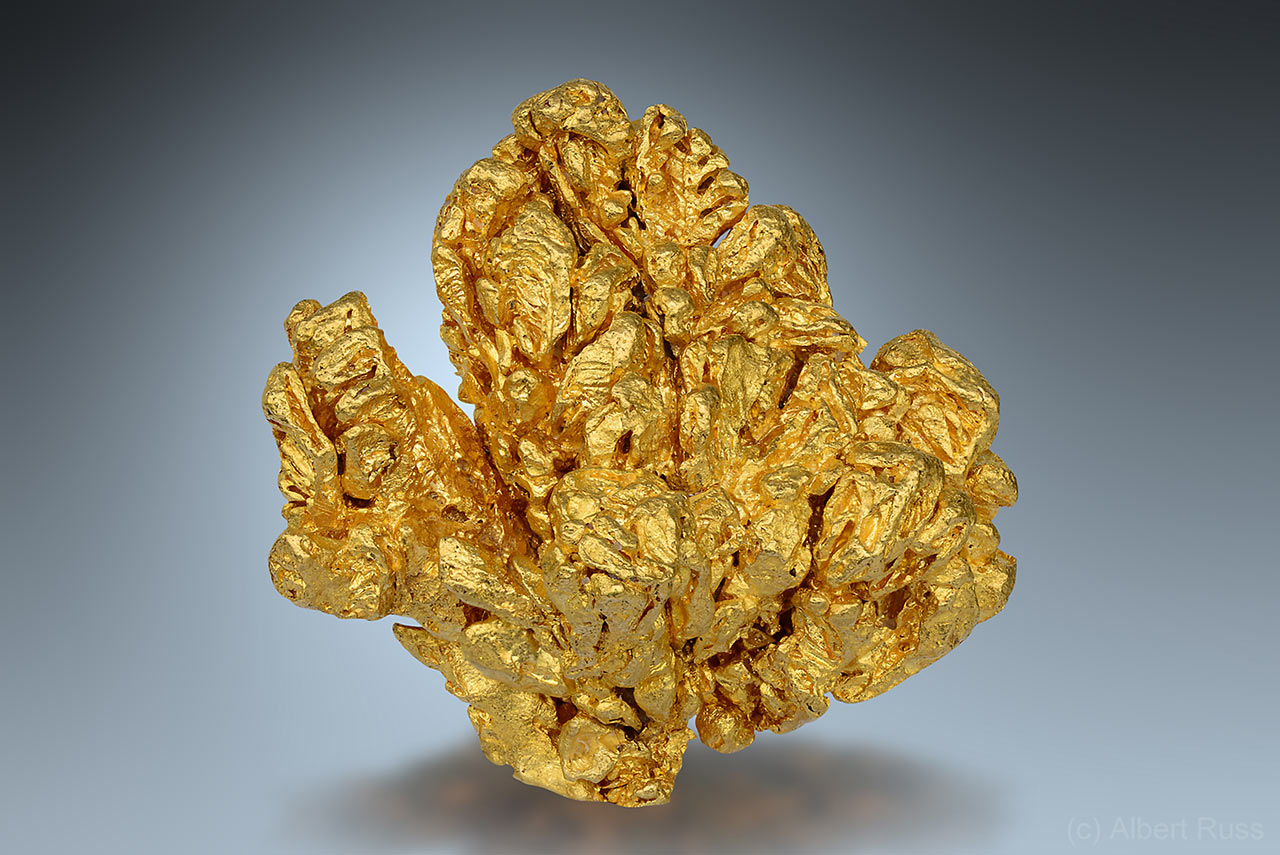 Native gold in quartz from Alta Floresta, Brazil