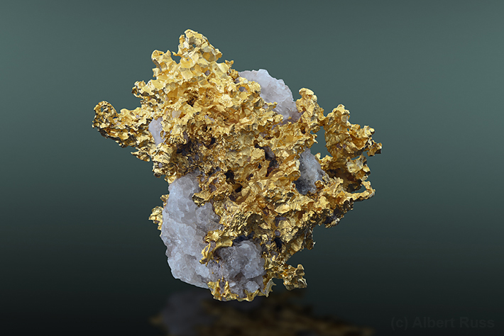 Gold in quartz from Alta Floresta, Brazil