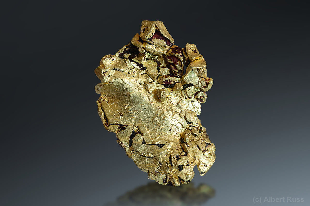 Natural crystallized gold from Mt. Kare, Papua-New Guinea