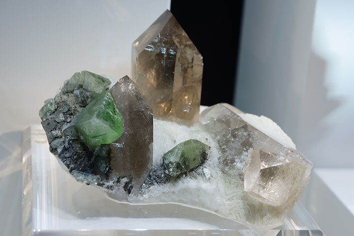 Feldspars, quartz, topaz and green herderite from Dassu, Pakistan