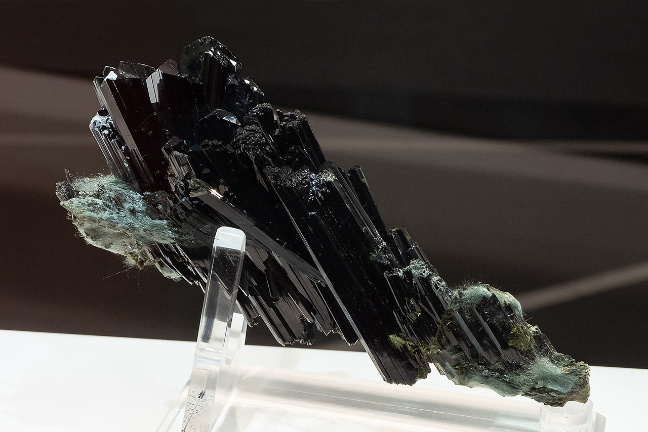 dark epidote crystals from the Knappenwand, Austria