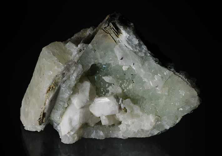 Alpine vein filled with prehnite and apophyllte crystals from Libodrice quarry in Czech Republic