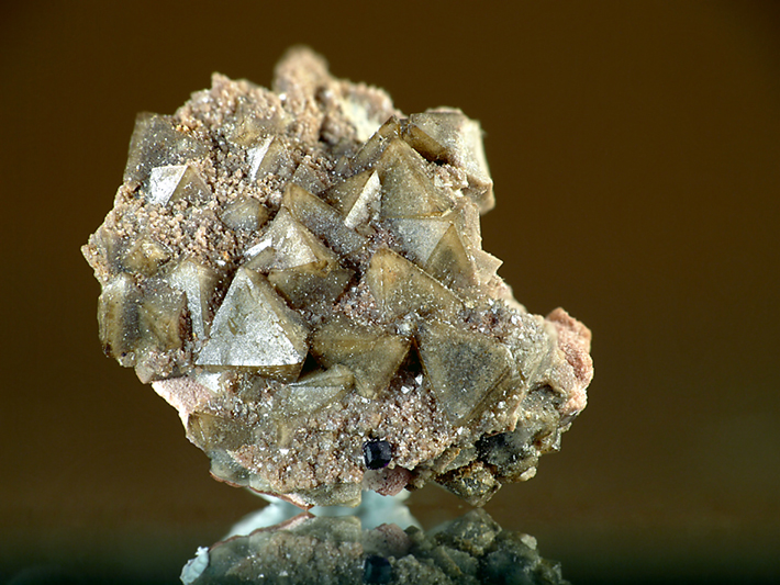 Cluster of scheelite crystals from Krupka, Czech Republic