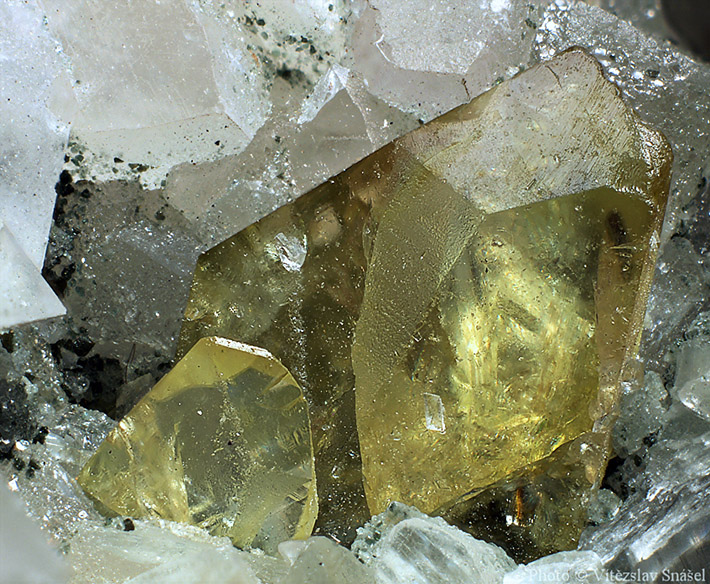 Gemmy yellow-green titanite crystal from Shigar Valley, Pakistan
