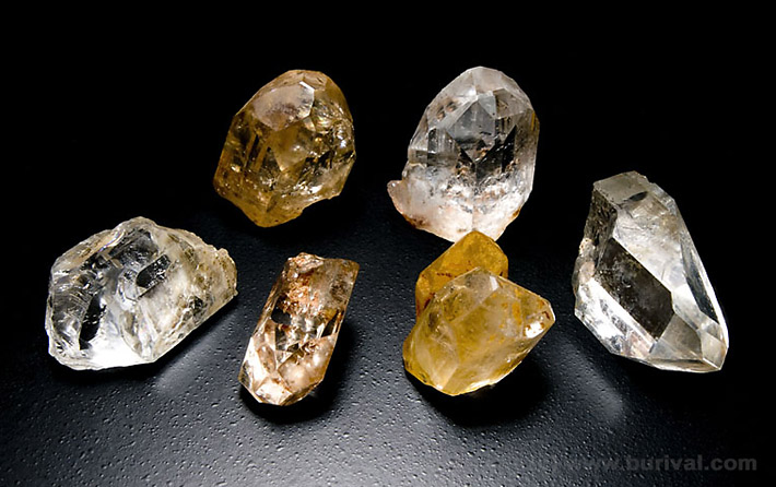 Group of complex champagne and yellow colored crystals of topaz from Gorkhi-Terelch in mongolia