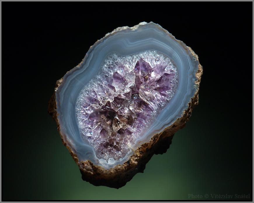Agate, Quartz (var. Amethyst)