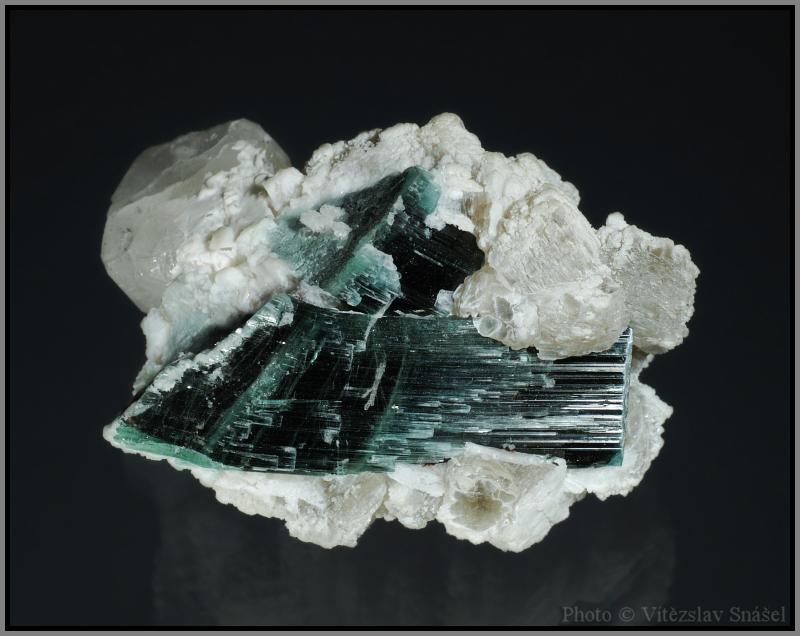 Elbaite (var. Verdelite), Albite, Topaz