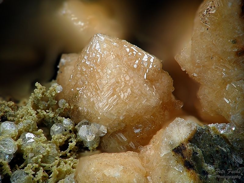 Phillipsite, Analcime