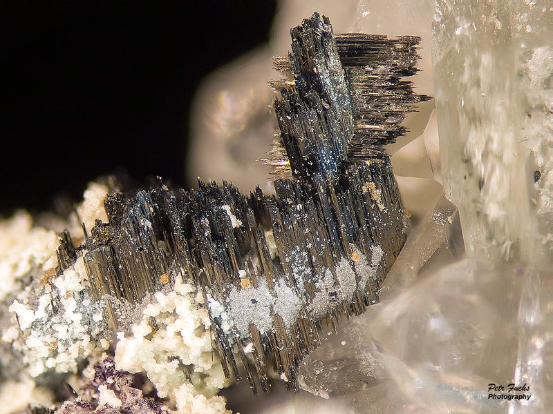 Bismuthinite, Goyazite