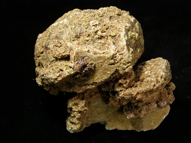 Grossular (var. Hessonite), Calcite