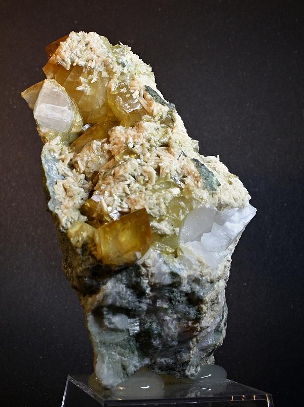 Calcite, Laumontite