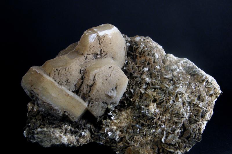 Calcite, Muscovite