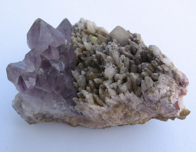 Quartz (var. Amethyst), Calcite