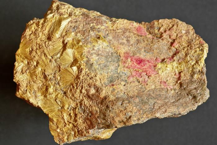 Carpholite, Rhodochrosite
