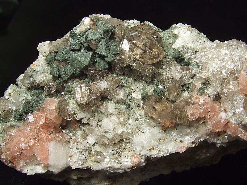 Fluorite, Quartz (var. Smoky), Chlorite