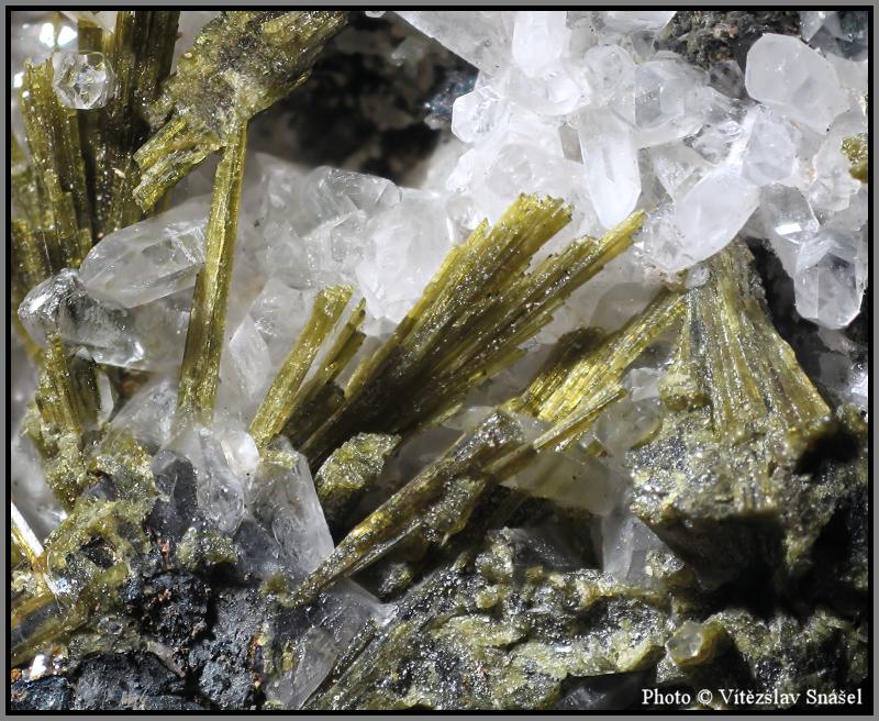 Epidote, Quartz, Magnetite