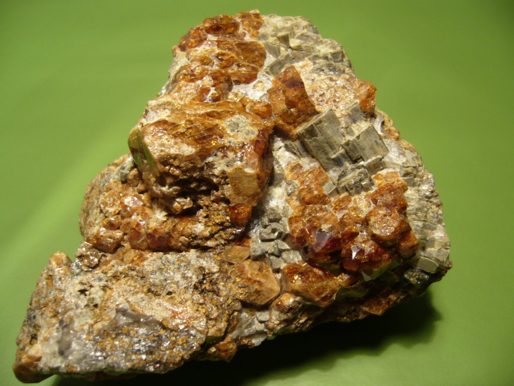 Grossular (var. Hessonite), Vesuvianite