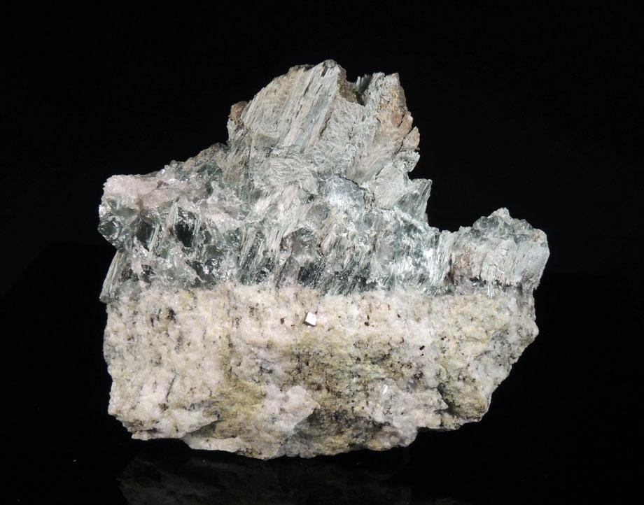 Tremolite, Pyrite