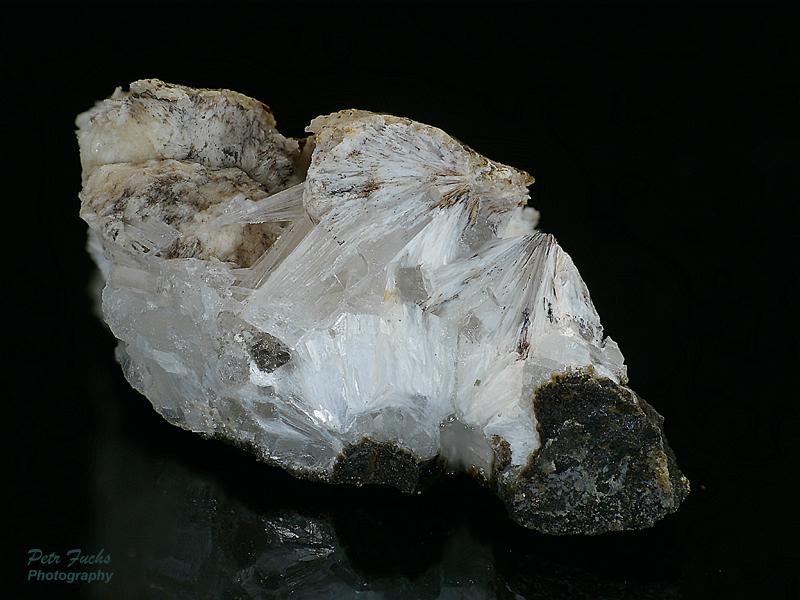 Zeophyllite, Natrolite